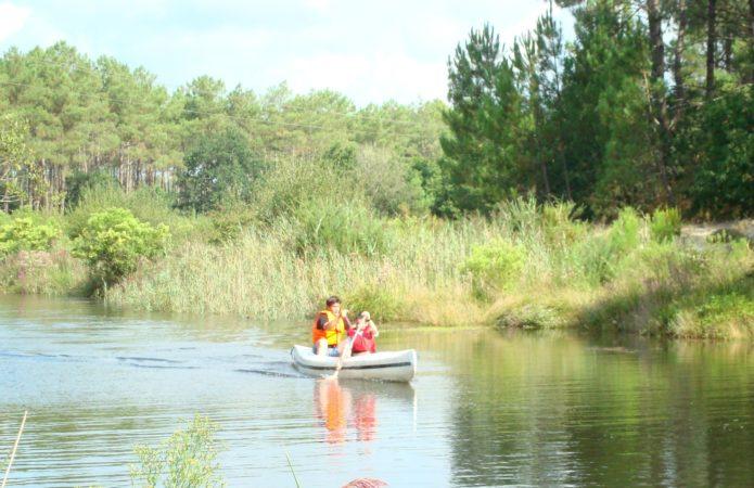 Canoë sur canal des étangs